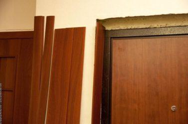 Что такое доборная доска для двери?
