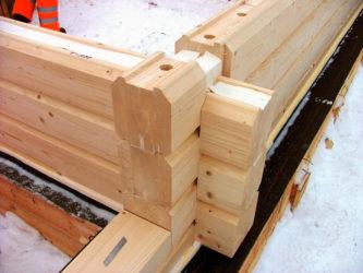 Как правильно укладывать брус при строительстве дома?
