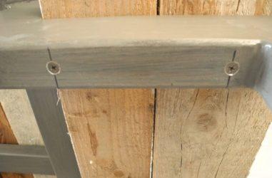 Как крепить доски к металлическому каркасу?